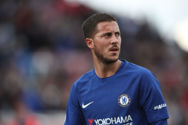 STOKE ON TRENT, ENGLAND - SEPTEMBER 23: Eden Hazard of Chelsea during the Premier League match between Stoke City and Chelsea at Bet365 Stadium on September 23, 2017 in Stoke on Trent, England. (Photo by Robbie Jay Barratt - AMA/Getty Images)